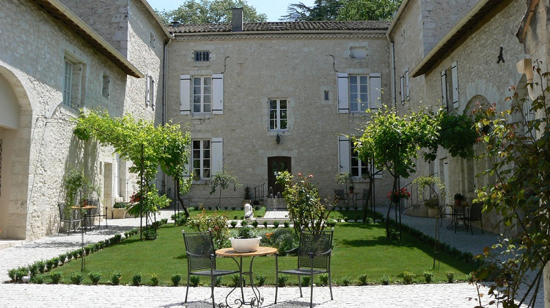 chateau de l'hoste